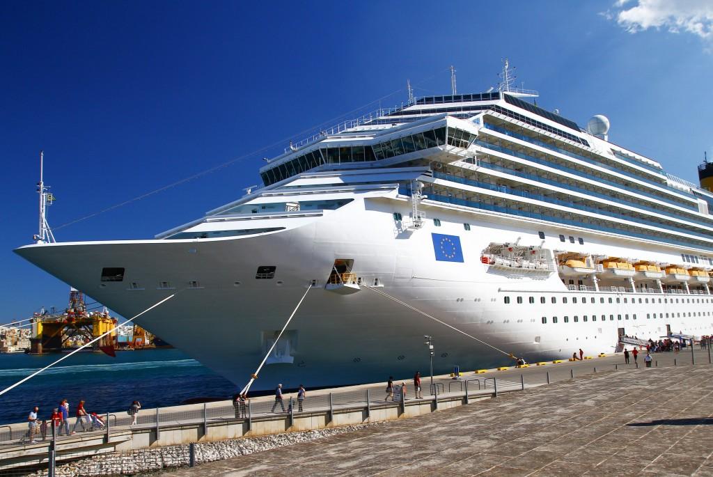 韩国济州岛3400名中国游客拒绝下船
