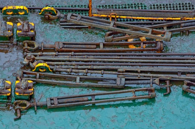 关于码头工人绑扎条款的口水战升温